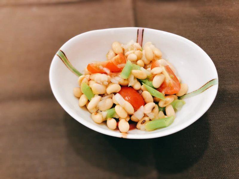 大豆とトマトのライムサラダ