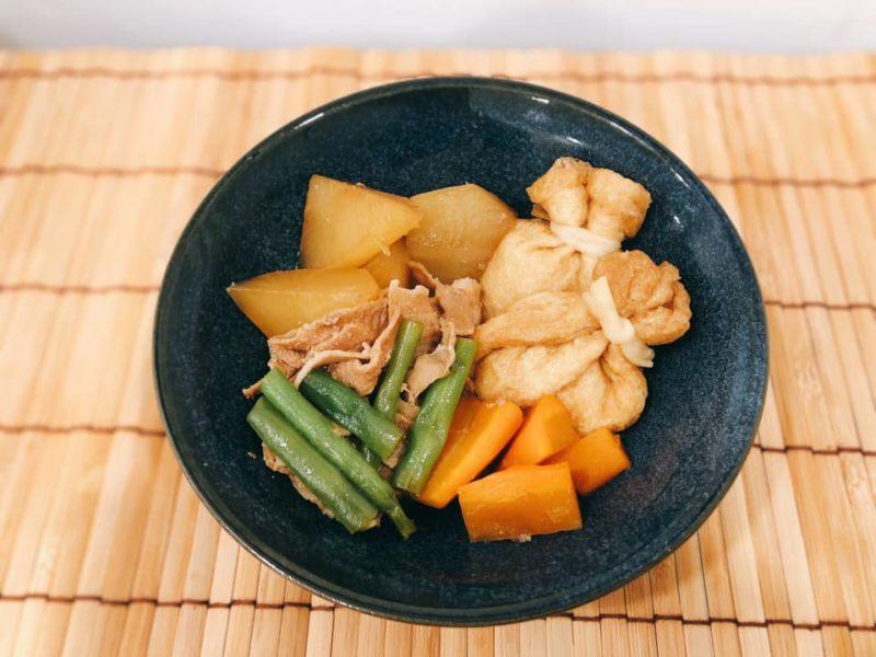 餅巾着入り 豚肉と野菜の煮物